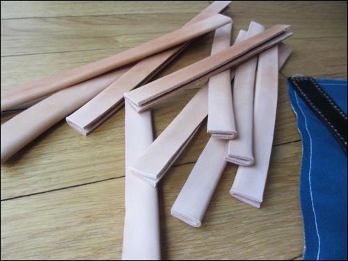 Bau der Lederapplikationen. Sie schützen die Ränder.