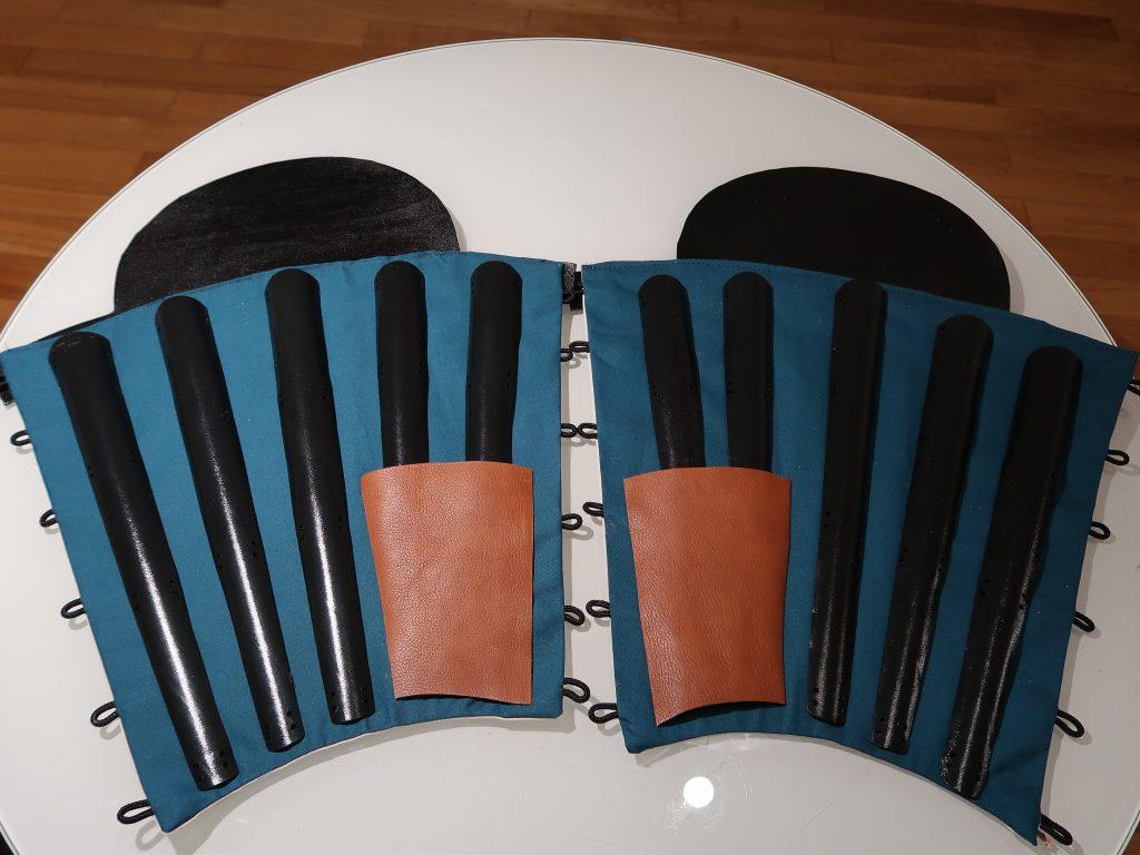 Beide Sunate und Kniekappen-Teile sind spiegelverkehrt aufgebaut.